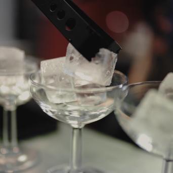 Glaçons dans un verre